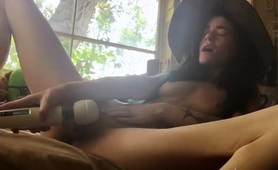 sexy-slim-amateur-babe-uses-a-vibrator-to-reach-her-climax