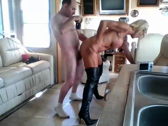 Stacked Mature Shemale In Black Boots Loves Hard Anal Sex Video