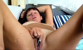 luscious-mature-housewife-loves-to-drive-herself-to-climax