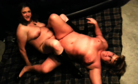 two-chunky-mature-lesbians-eating-out-each-other-s-pussies