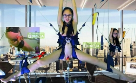 nerdy-camgirl-has-a-mechanical-toy-drilling-her-juicy-cunt