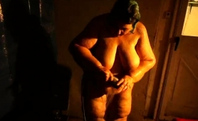 chunky-amateur-granny-puts-her-body-on-display-in-the-shower