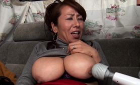 amateur-japanese-ladies-get-their-pussies-toyed-and-fucked